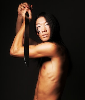 Asiatischer mann hautnah