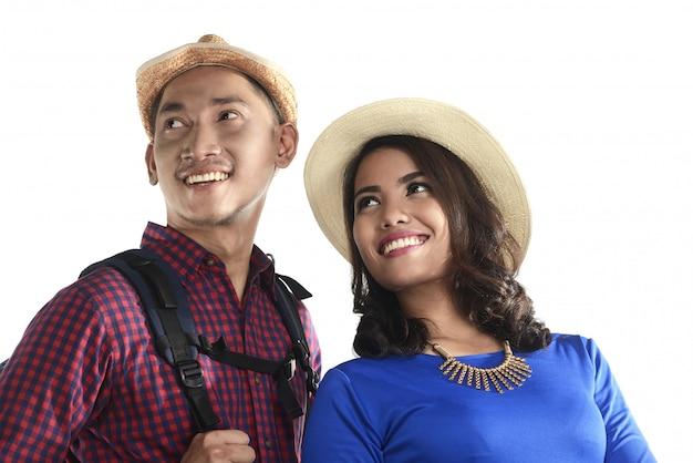 Asiatisches touristisches paarlächeln