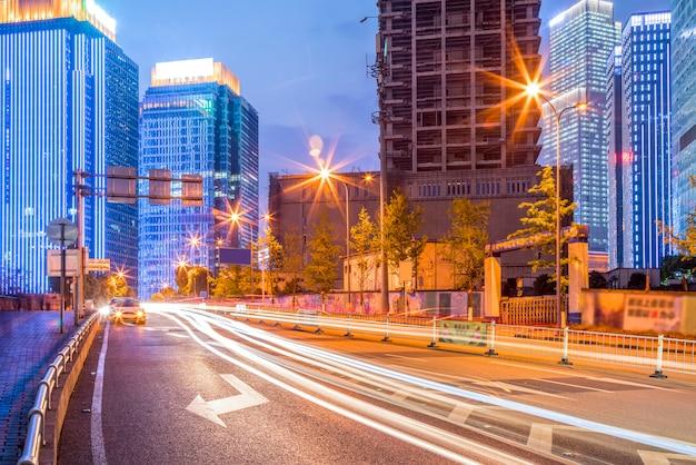 Asphalt wolkenstraße richtung wetterperspektive