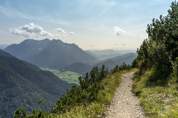 Atemberaubende aufnahme der schönen landschaft der horndlwand in deutschland