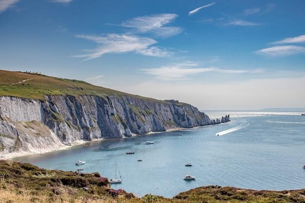 Atemberaubende aufnahme von hafen isle of wight im englischen kanal