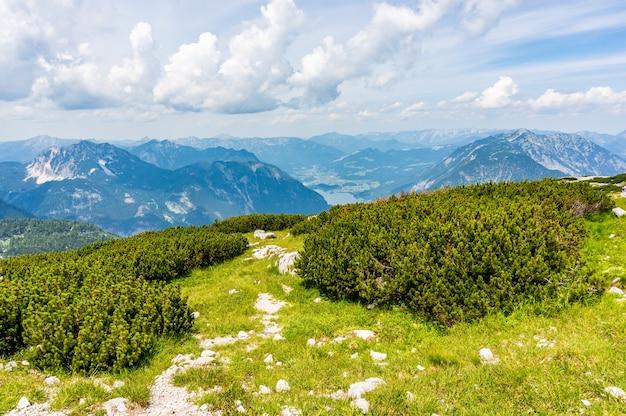 Atemberaubende szene der malerischen welterbespirale obertraun österreich