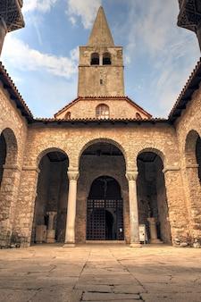 Atrium der euphrasius-basilika, porec