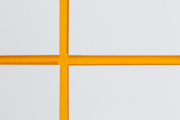 Attrappe, lehrmodell, simulation . karten papiere auf gelb. draufsicht, flache lage, copyspace