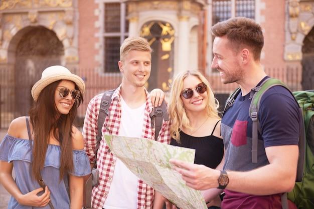 Auf der suche nach interessanten orten zu besuchen