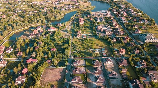 Auf lagerluftbild einer wohnnachbarschaft