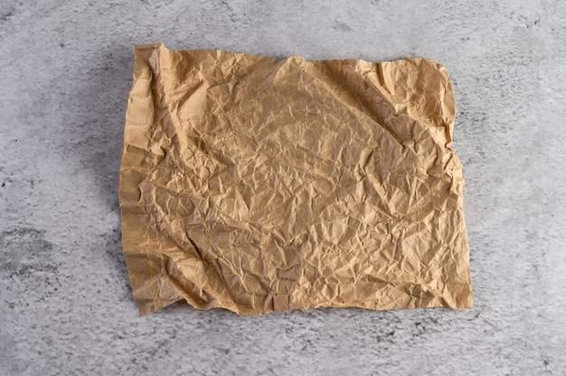 Aufbereitetes braunes kraftpapier