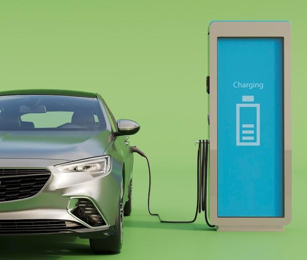 Aufladen des elektroautos am bahnhof