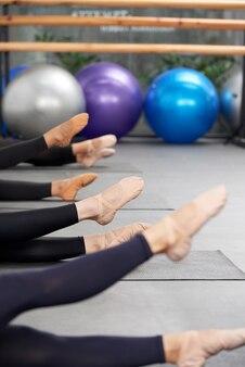 Aufwärmen von balletttänzern