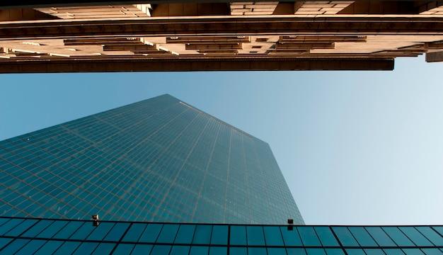 Aufwärts ansicht eines wolkenkratzers in boston, massachusetts, usa