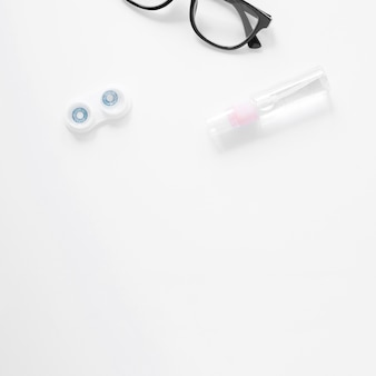 Augenpflegeprodukte mit kopienraum