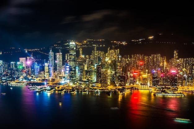 Außenstadtbild des schönen architekturgebäudes von hong- kongstadtskylinen