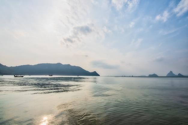 Aussicht auf meer und natur