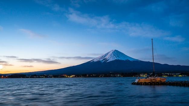 Aussichtspunkt mit berg fuji