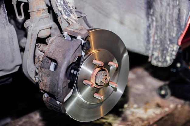 Austausch der bremsscheiben der autobremsanlage reparatur