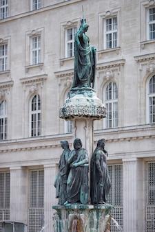 Austriabrunnen brunnen in wien, österreich.
