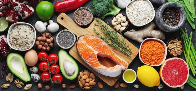 Auswahl an gesunder nahrung