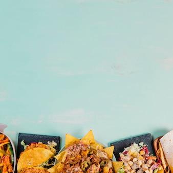Auswahl an mexikanischen speisen