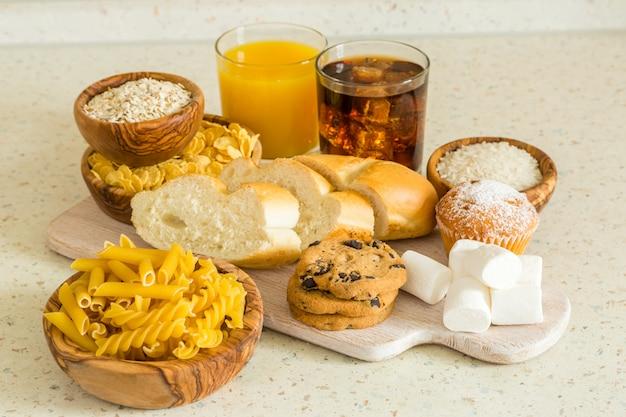 Auswahl an schlechten kohlenhydratquellen