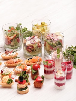 Auswahl an verschiedenen snacks
