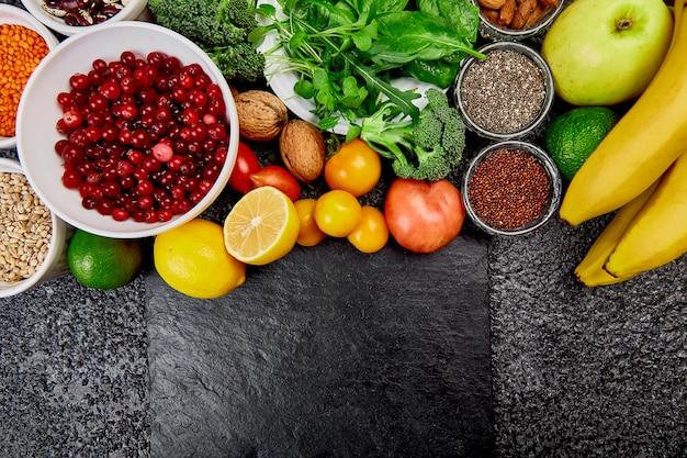 Auswahl der besten hochalkalischen lebensmittel. vegan.