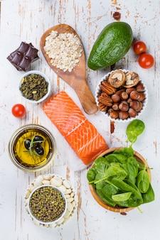 Auswahl nahrhafter lebensmittel - herz, cholesterin, diabetes