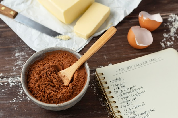 Auswahl verschiedener zutaten für ein köstliches rezept