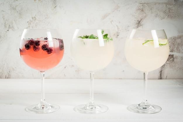 Auswahl von drei arten von gin tonic