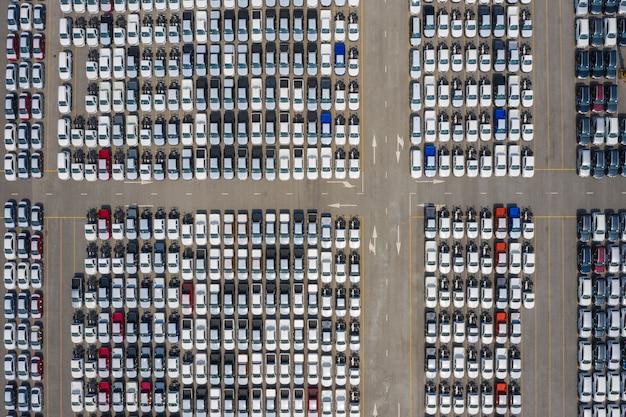 Auto export export terminal export und import unternehmen und logistik versand fracht zum hafen transport