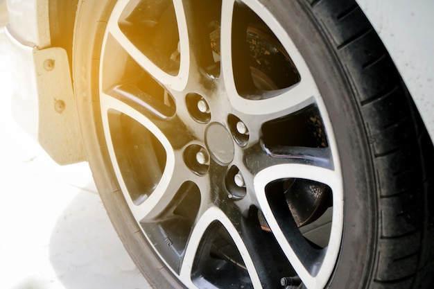 Auto reinigen und waschen im freien