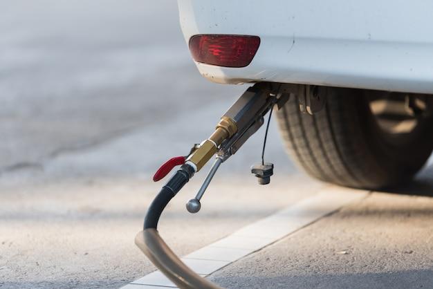 Auto tanken lpg oder flüssiggas
