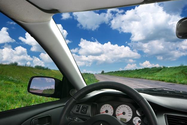 Auto unterwegs