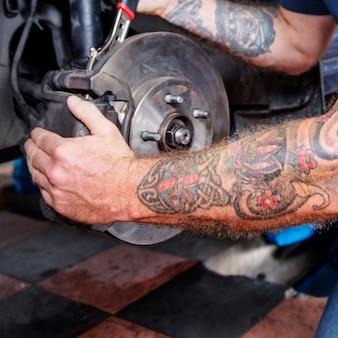 Auto-werkstatt-mechaniker technician concept