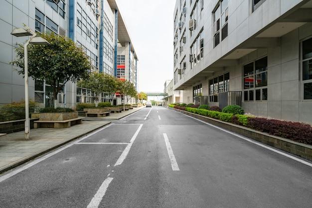 Autobahn- und stadtgebäude in chongqing, china