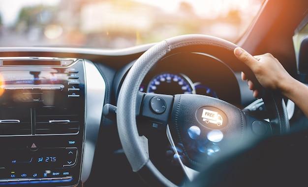 Autofahren auf der straße sicheres reisen reisen, autofahren, fahrpraxis, tourenfahrkonzepte