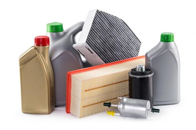 Autofilter und motorenöl können lokalisiert auf weiß