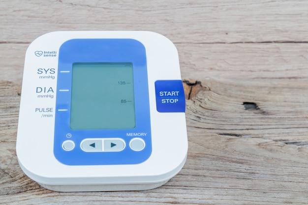 Automatischer blutdruckmonitor