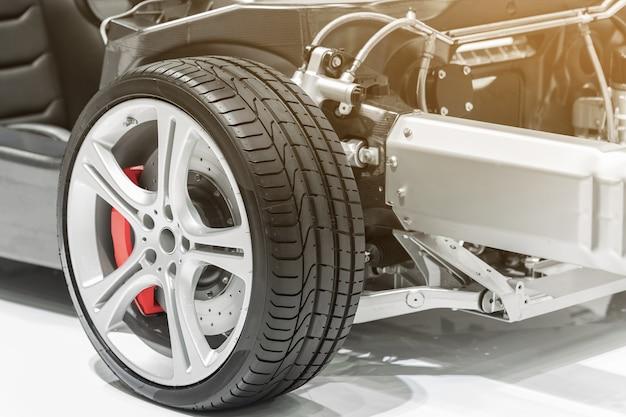 Autoreifen, aluminiumradautoabschluß oben