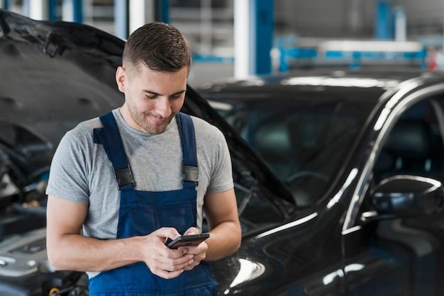 Autoreparaturgeschäft zusammensetzung