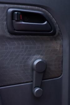 Autotür mit manuellem aufzug aus glas