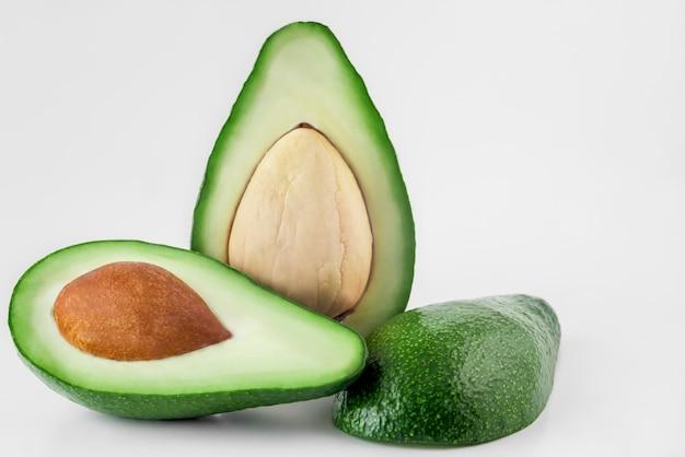 Avocado auf weißabschluß oben
