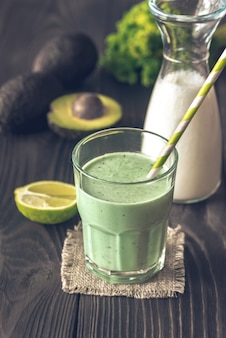 Avocado-kokosmilch-smoothie