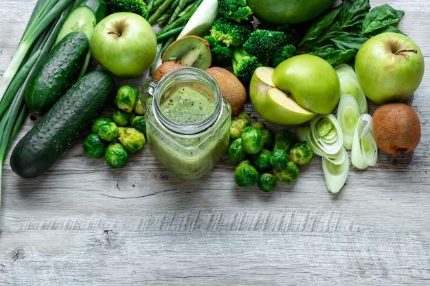Avocados gurken kohl äpfel bohnen kiwi zwiebeln brokkoli