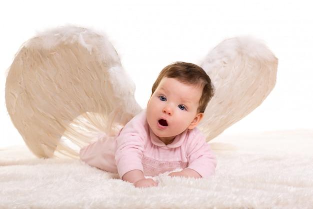 Baby engel mit weißen flügeln