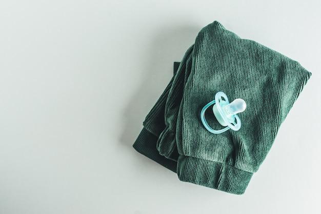 Babypflegezubehör flach zu legen