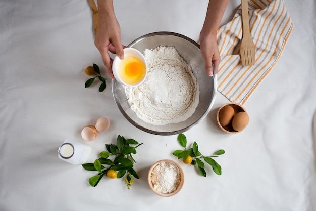 Backen. zutaten für crêpe