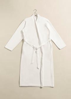 Bademantel aus baumwolle, spa-bekleidung