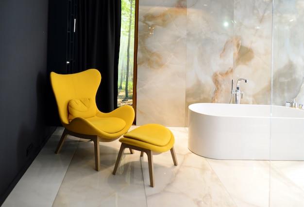Badezimmer der innenarchitektur