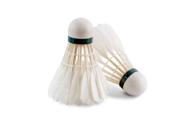 Badminton-federball geschnitten auf weiß mit beschneidungspfad