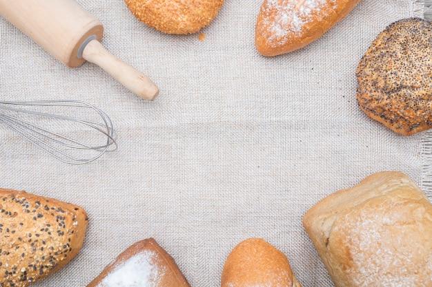 Bäckerei brot auf einem holztisch.